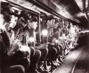 1977_mineri-din-valea-jiului