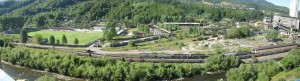 lupeni-con-ferrovia-e-boschi