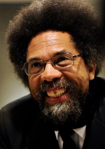 Cornel West sorridente a colori